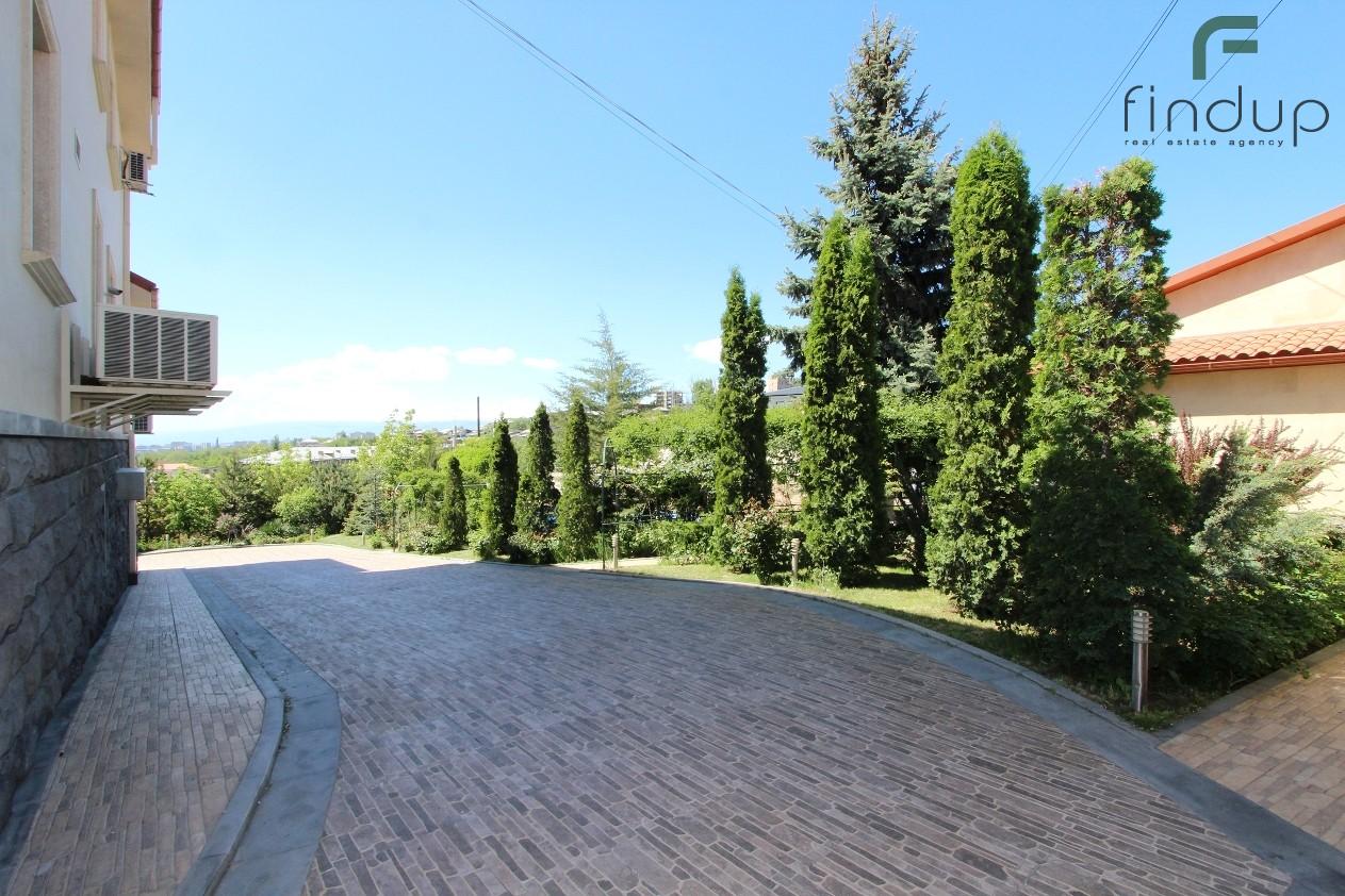 G. Hovsepyan str.